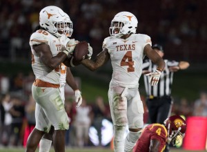 DeShon Elliott and Malik Jefferson (Will Gallagher/IT)