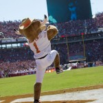 Hook'em at Texas-OU. (Will Gallagher/IT)