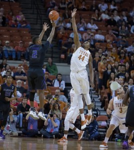 UT's Prince Ibeh contests the KSU shot. (Will Gallagher/IT)
