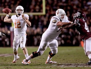 Adam Ulatoski blocks Texas A&M. (Will Gallagher/IT)