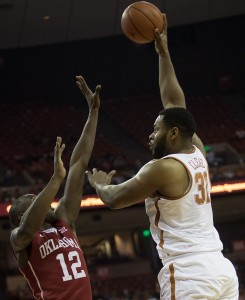Shaq Cleare shooting over Sooners (Will Gallagher/IT)