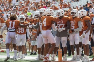 Texas Longhorns defense (Will Gallagher/IT)